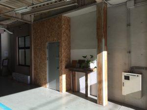 千代田ヴィレッジガレージの壁