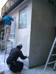 漆喰を壁に施工する